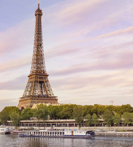 Paris: Full-Day Private City Sightseeing Tour with Sein Cruise and Eiffel Tower Lunch