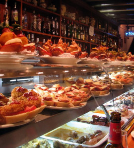 Barcelona: Tapas Tasting Evening Walking Tour